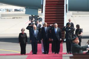 President Shimon Peres, President Barack Obama, and Prime Minister Netanyahu. They all wore blue! Photo from Ben Hartman, Jerusalem Post