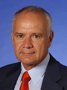 Photo of Professor Uzi de Haan